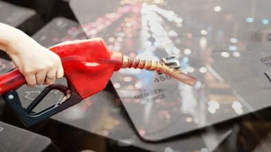 Cash vs  Credit Card: Gas Stations Charging Different Prices
